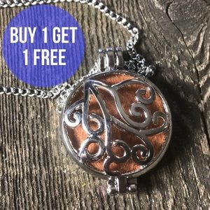 Jewelry - Boho Aromatherapy Diffuser Necklace with Pad